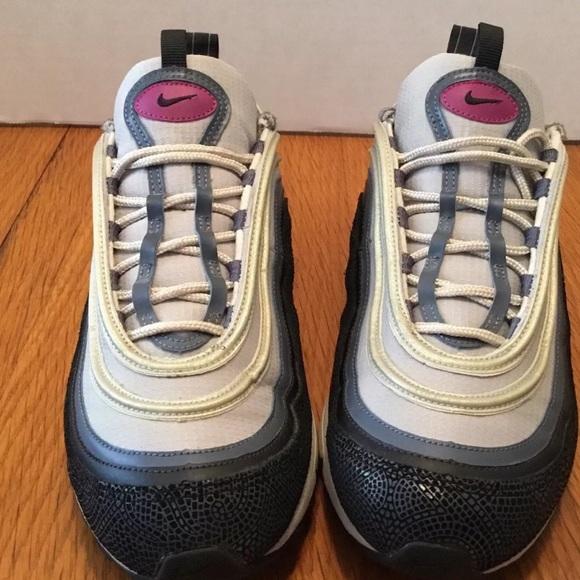 Women's Nike Air Max 97 Black/Red Plum Sz: 10